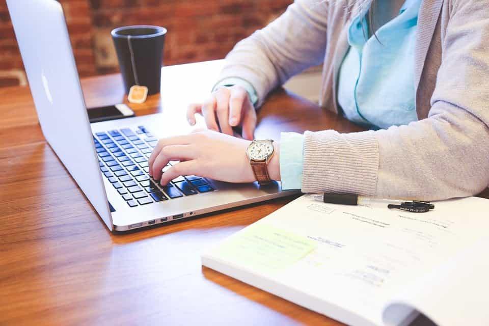 10 Kunci Menulis Artikel Untuk Pemula